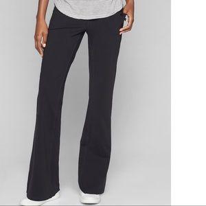 Lululemon black reversible yoga pants size 8